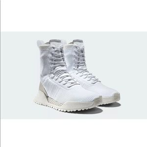 New in box white adidas AF 1.3 primeknit boots Sz9